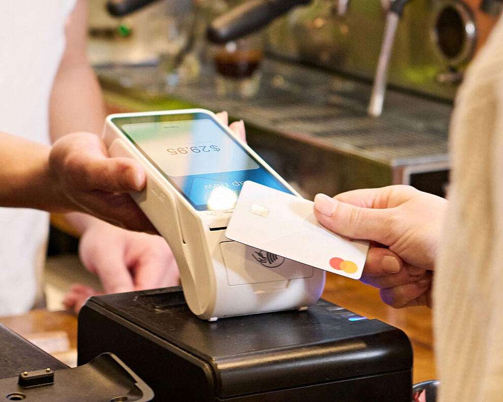 How An EFTPOS Terminal Can Benefit Your Business