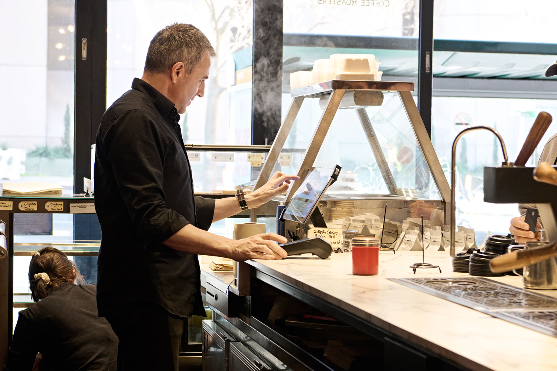 business-model-innovation-decoy-cafe