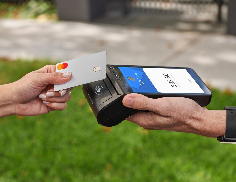 portable-eftpos-machine-business-transaction